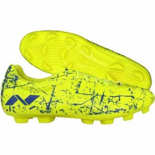 Nivia Football Shoes at Rs 599/pair