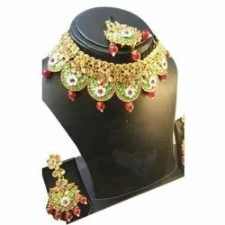 Multicolor Party Wear Necklace Set, Packaging Type: Box