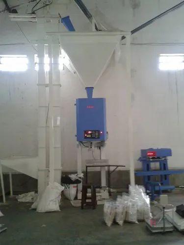 Rice Filling Machine- Single Header : Capacity: 5-50 Kg ( 100 Kg Optional )