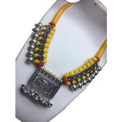 Fashionable Ladies Necklace