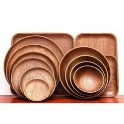 TWH Wooden Diner Set