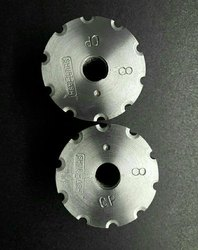 Carbide and Steel Wire Nail Gripping Die