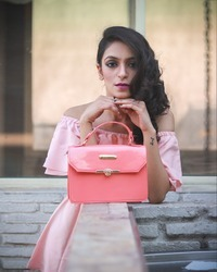 DN-108 Ladies Leather Bag