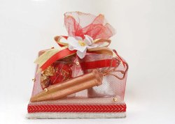 Small Board Hamper Holi Gift