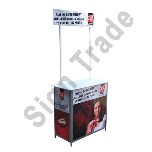 Promo Table, Size: Display Size: 6x2.5 Feet