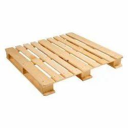 Rectangular 4 Way Pine Wood Pallets, Capacity: 800 Kg, Dimension/Size: 1140 X 1140 X 135 Mm