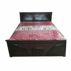 Engineer Wood Wooden Designer Double Bed, Features: Termite Free, Size: 6.5x5 Feet