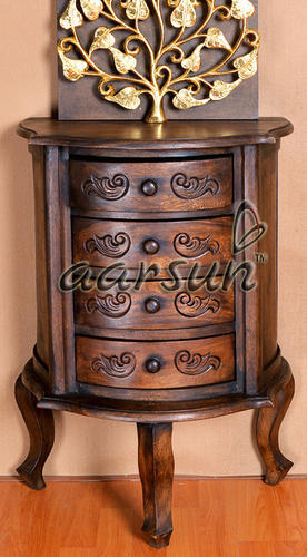 Attirant Aarsun Woods Traditional Side Table