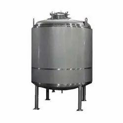 SS Vertical Mixing Tank