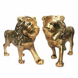 White Metal Golden Lion Set, Size/dimension: 6 X 3 X 10 Inch, for Interior Decor