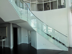 Circular Glass Designs Staircase, Size: 13 feet
