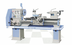 Geared Head Medium Duty Lathe Machine