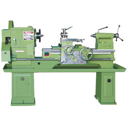 Medium-Duty Lathe Machine