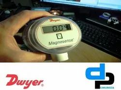 Dwyer MS 711 LCD Magnesense Differential Pressure Transmitter