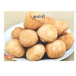 Utsav Foods Spicy Tasty Dry Kachori, Packaging Size: Available in 500 Gm And 1 Kg