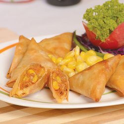 Spicy Corn Samosa, Packaging Size: 10 Pieces In A Packet