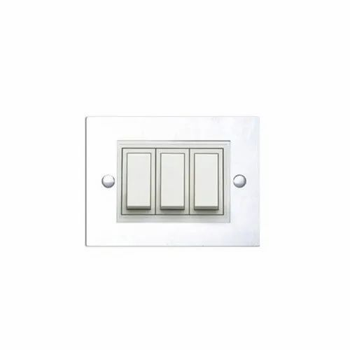 16 Amp Plastic Anchor Roma Modular Switch, Switch Size: 3 Module, ON/OFF