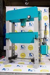 Hydraulic Manual Operated Press