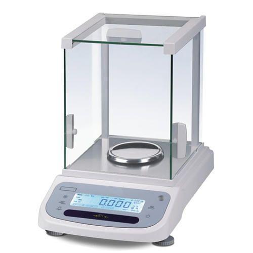 Micro Balance at Rs 36000/piece | Electronic Micro Balances | ID:  16638362848