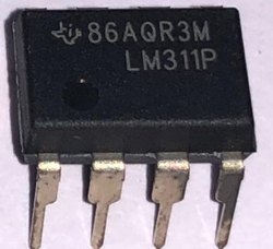 Analog Comparators IC LM311P
