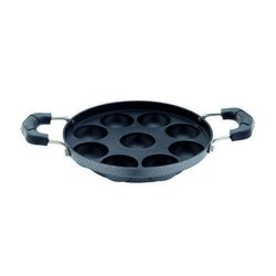 Black Aluminum Non Stick Paniyarakkal, For Kitchen, Capacity: 9 Pieces