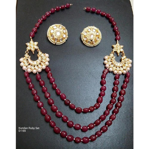 c9ee53930 Ethnic Kundan Maroon Beads Necklace Earrings Set at Rs 1390 /set ...
