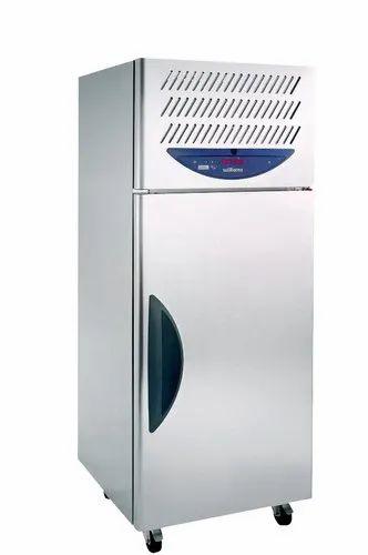Stainless Steel Single Door Blue Star BF05F Blast Freezers, Capacity: 600 L, - 22 To - 18 Degree C