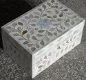 Sauve Charm White Mother of Pearl Box