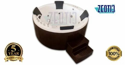 Four Person Outdoor Spa Jacuzzi