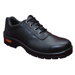 7e77ea900e936a Water Resistant Black & Brown Mallcom Safety Shoes, Size: 6 - 11, For