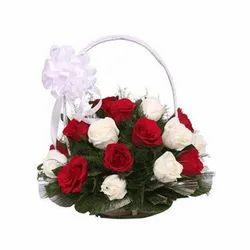 Red And White Natural Bouquet Red & White Rose Handle Basket