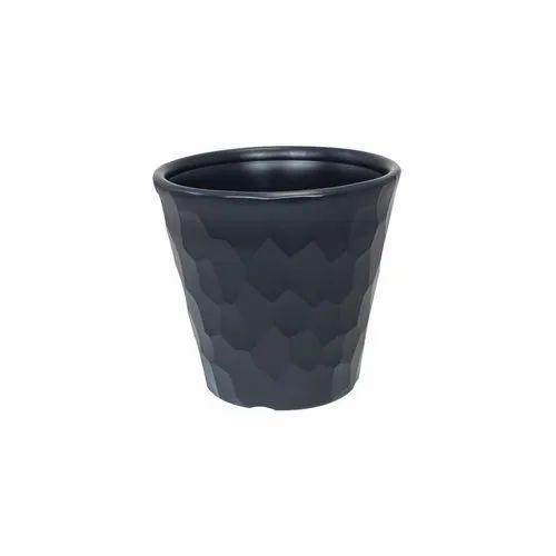 225 & Round Plastic Flower Pot