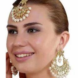 Alloy Goden And White Meena Kundan Earrings Set