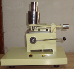 HAND OPERATED SCRATCH TESTER