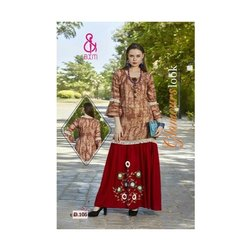 Casual Wear 3/4th Sleeve Ladies Rayon Designer Kurti, Machine wash