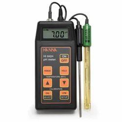 Portable pH/mV Meter  HI8424