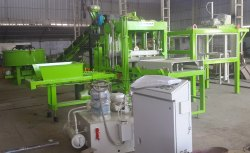 Uniblock 4-30 Concrete Brick/ Block / Paver Making Machine