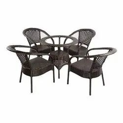 Universal Furniture Outdoor 4 Chair and 1 Table Set