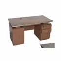 Wooden Rectangular Office Table, No. Of Drawers: 3, For Corporate Office