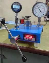PRESSURE COMPARATOR  WITH IN BUILD DIGITAL MASTER
