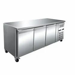 Under Counter Freezer 417 Ltr 3 Doors Ventilated Cooling