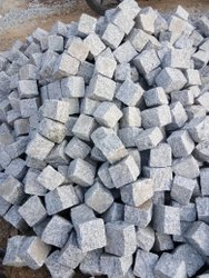 Black Flamed Granite Cubes, For Flooring, Thickness: 4x4x3