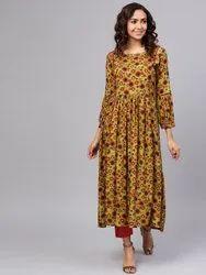 La Firangi Women Olive Green & Maroon Printed Kurta With Trousers