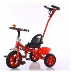 红色的儿童三轮车
