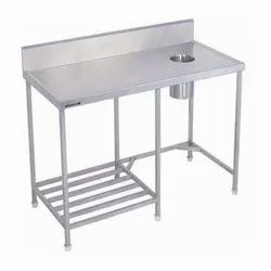 SS CLEAN DISH TABLE 1/2/PIPE UNDERSHELF