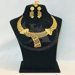 Ladies Short Necklace Set
