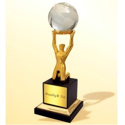 WM 9683 Uphold Figure Trophy