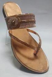 Faux Leather Flats & Sandals Ladies Golden Fancy Flat Chappal PVC
