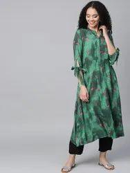 La Firangi Women Green & Black Printed Kurta with Trousers