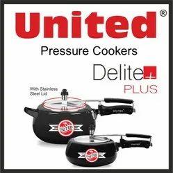 Black Wrought Aluminium United Delite Plus Pressure Cooker, For Home, Capacity: 3.5 Litres,5 Litres